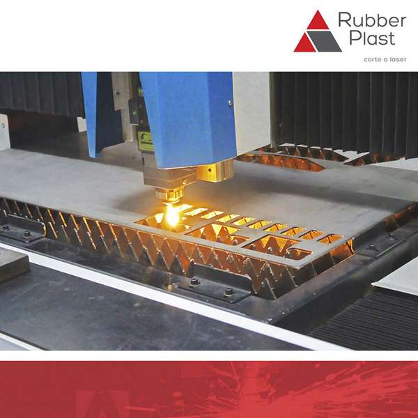 Corte a laser de chapas de aço